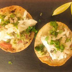 Tostadas mexicanas de pescado con guacamole