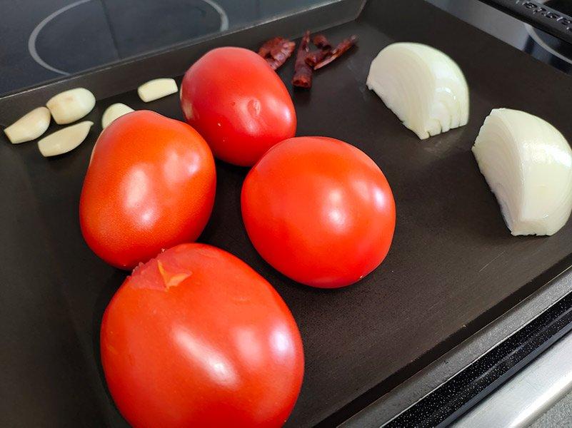 Cómo hacer salsa roja tatemada